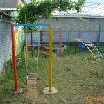 Детская площадка в частном секторе на Краснофлотской, 60