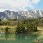 Гора Шаан-кая и горное озеро