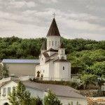 Храм в Новомихайловском