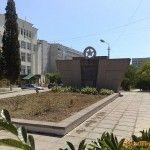 Памятник погибшим воинам и рабочим авиамастерских черноморского флота