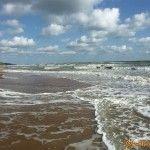 Песчаный берег Кучугур