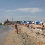 Пляж возле порта Евпатории