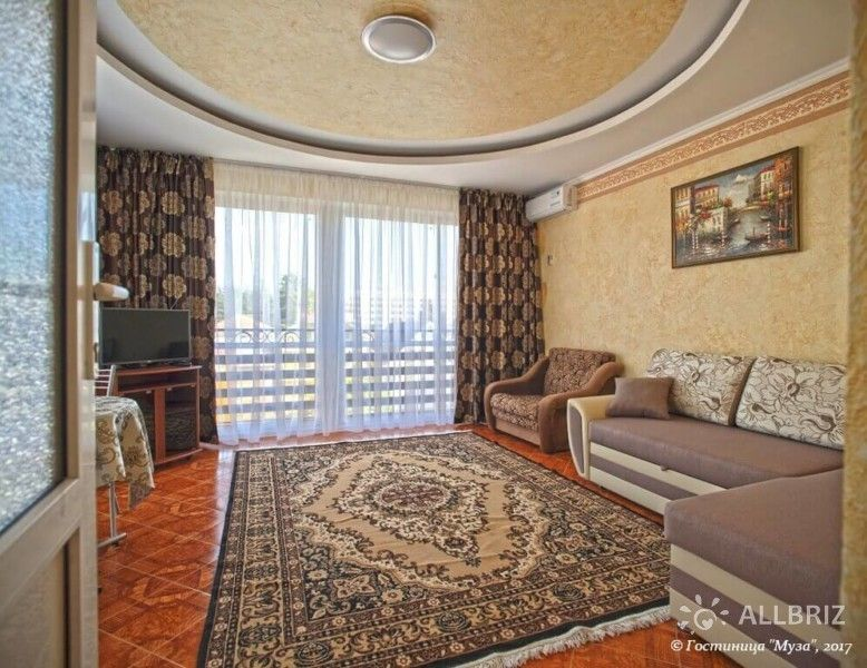 2х комнатный 5ти местный номер с персональной кухней и балконом