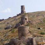 Руины крепости «Чембало»