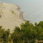 Вид на пляж с мыса