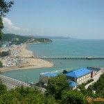 Вид на пляж в Лермонтово