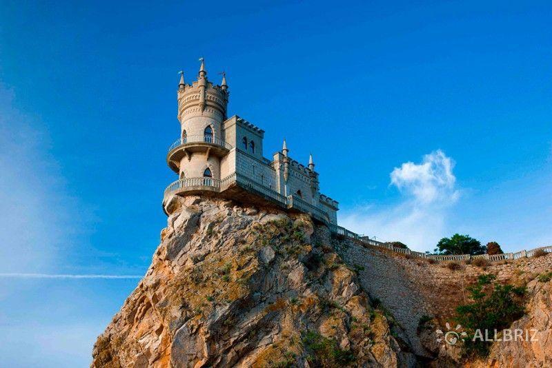 Замок «Ласточкино гнездо» в Гаспре