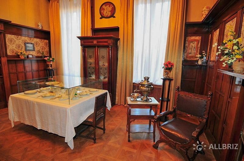 Внутри Ливадийского дворца
