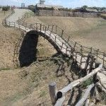 Деревянный мостик в музее «Атамань»