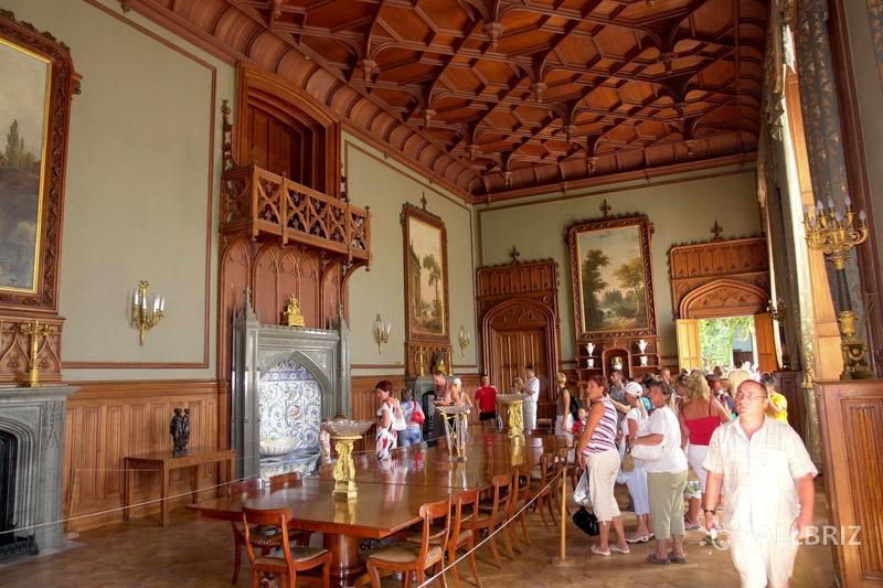 На экскурсии по Воронцовскому дворцу