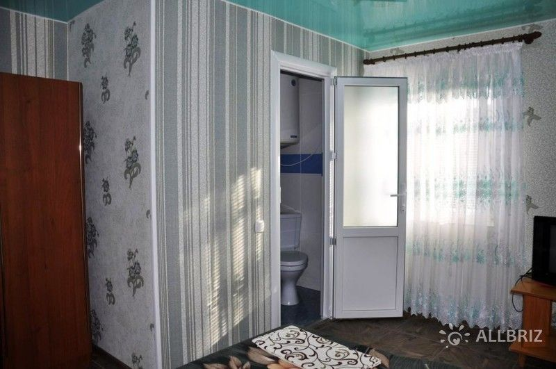 Трехместный номер с ванной комнатой