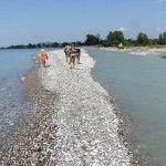 Река Хашупсе впадает в море у Цандрипша в Абхазии
