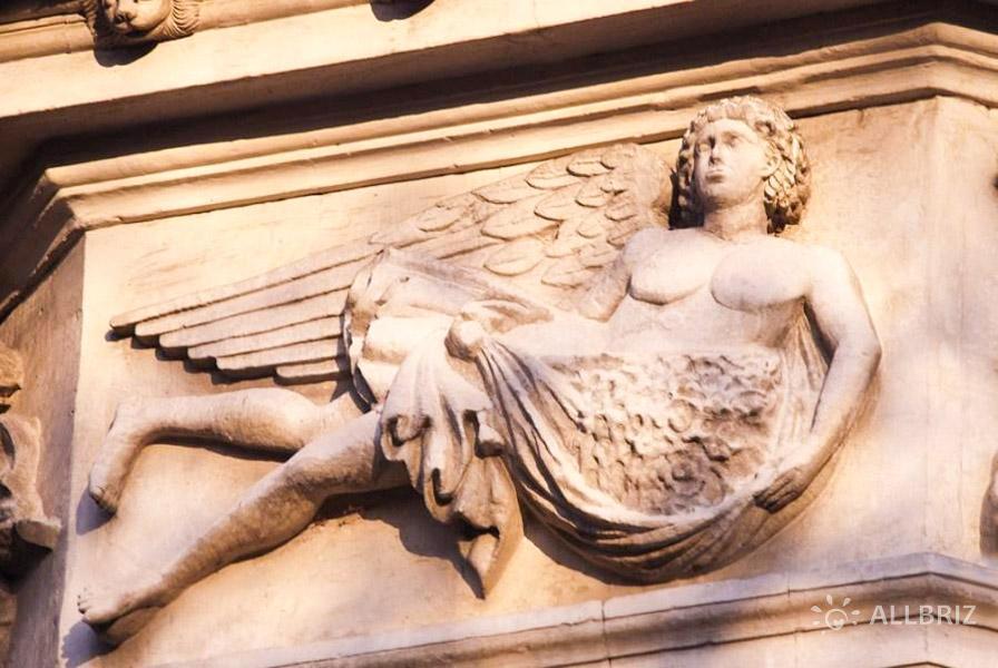 Бог восточного ветра Афелий