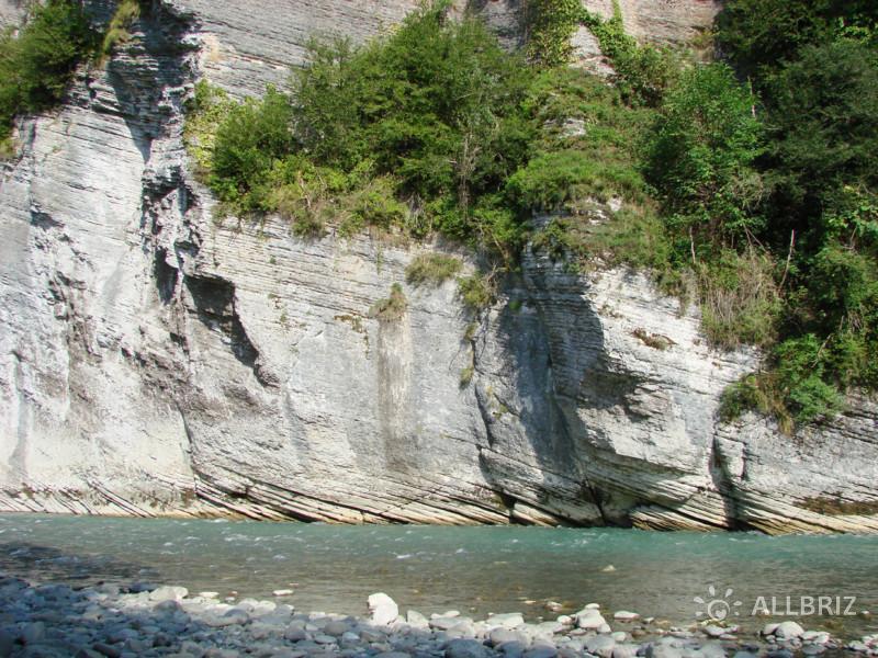 Ахштырский каньон