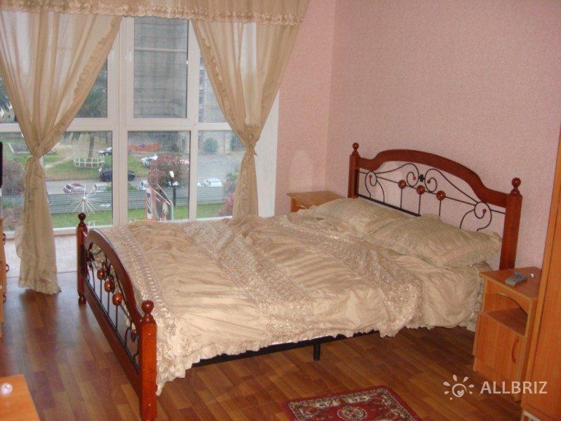 Однокомнатная квартира - двухспальная кровать с видом на море, пальмы и аквапарк