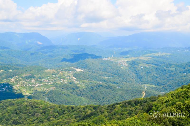 Вид с вершины горы Ахун