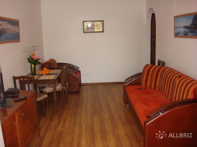 1 комнатная квартира - зала с раскладным диваном