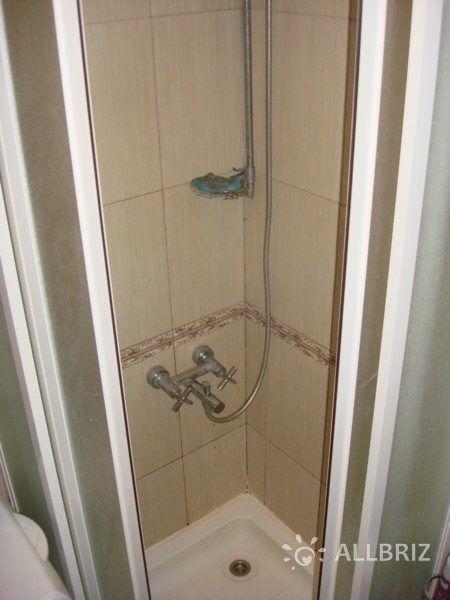 1 комнатная квартира - душевая кабинка