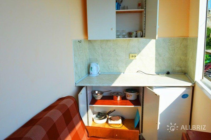 Трехместный номер на первом этаже - на балконе мини кухня