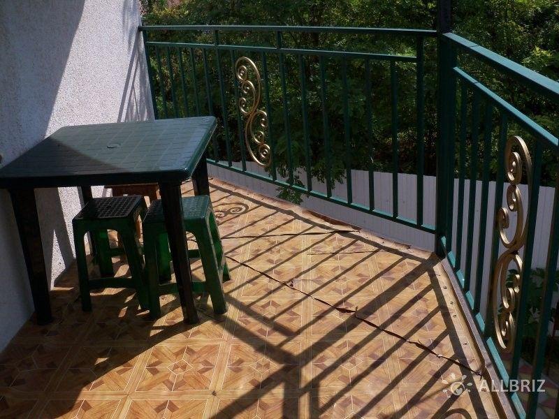 Трехместный номер с индивидуальным балконом