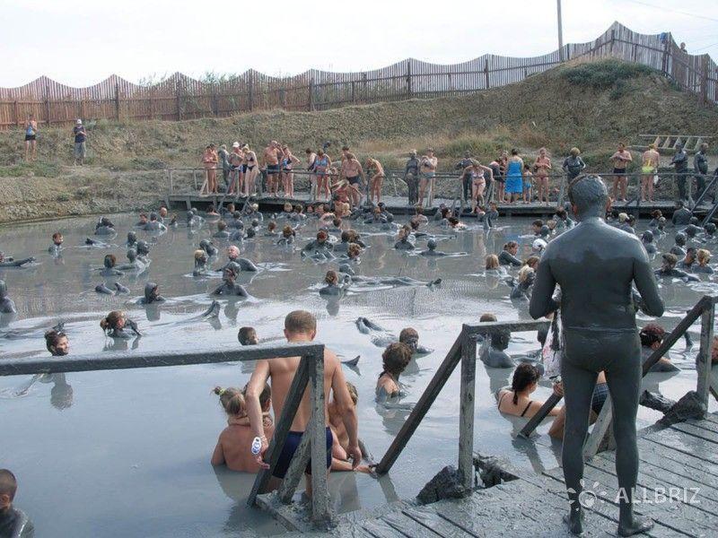 Грязевые ванны вулкана Тиздар