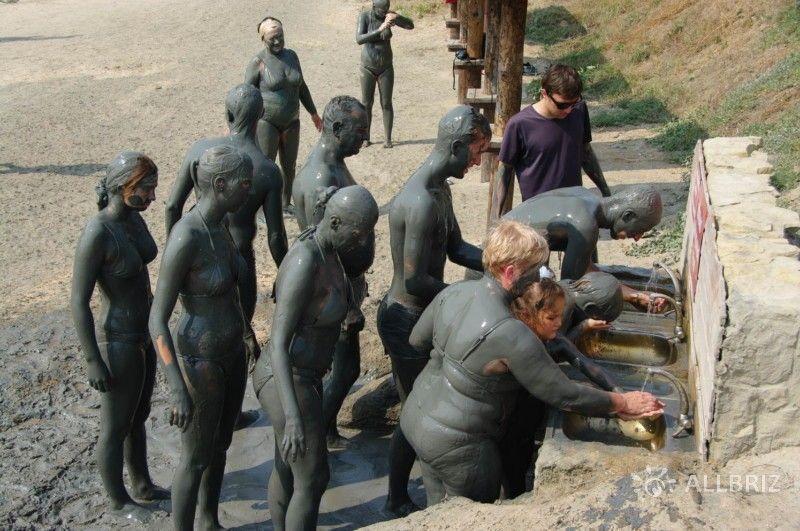 Хоть бы ручки помыть после грязи