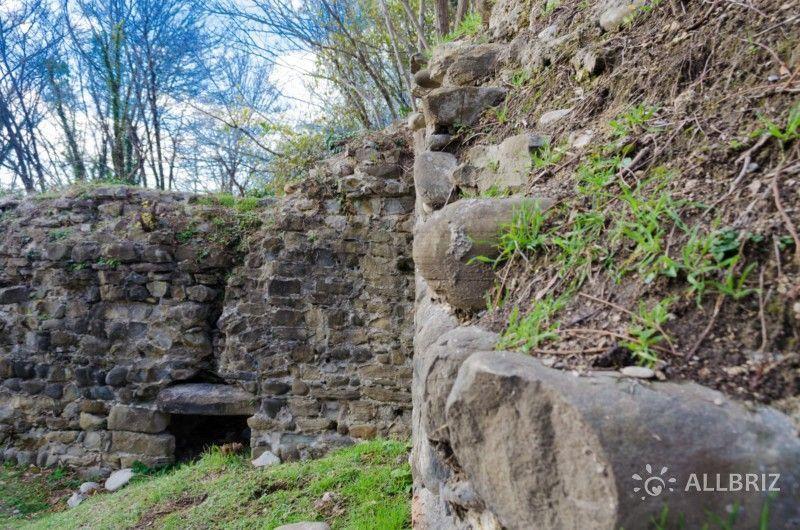 Останки крепостных стен