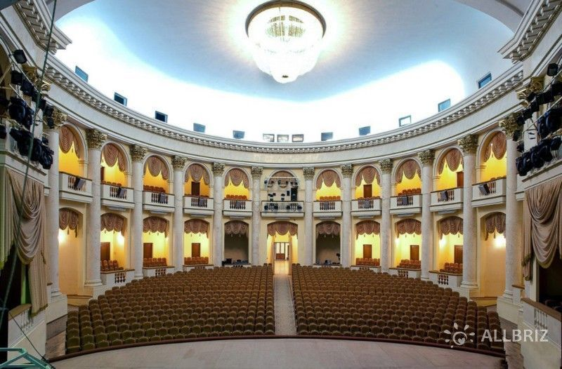 Зал зимнего театра