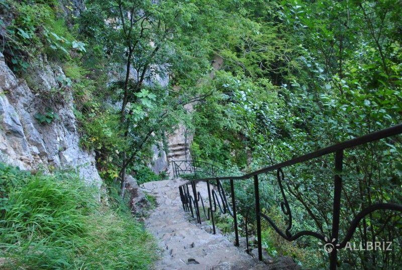 К пещере Симона Кананита