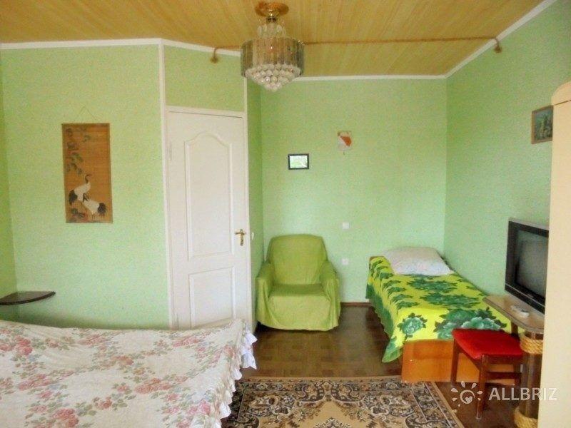 Двухкомнатный домик с террасой на 3-7 человек
