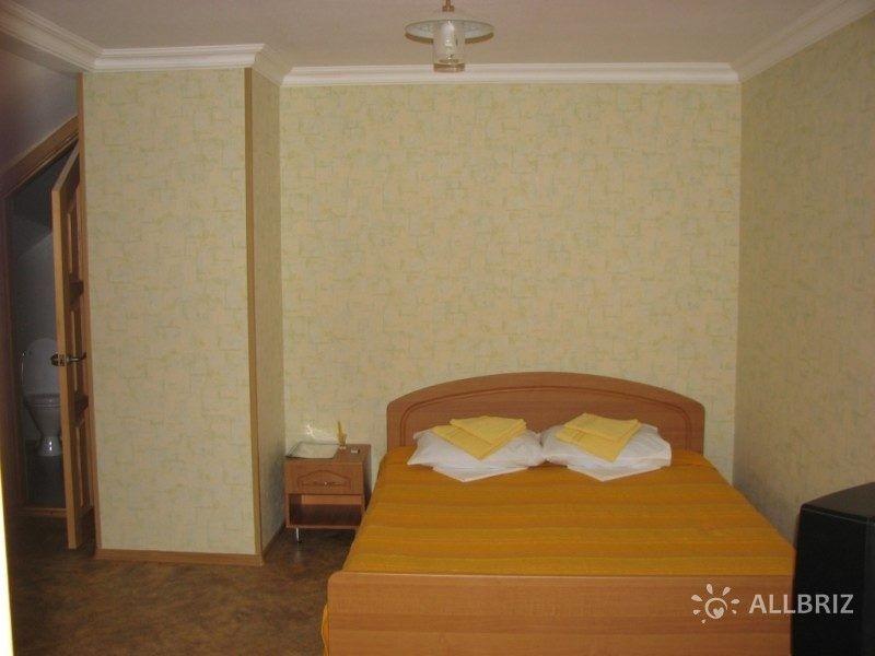 Однокомнатный 2х местный с одной кроватью и санузлом на этаже