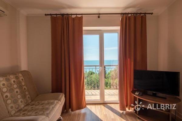 Люкс с видом на море - вид на море из окна