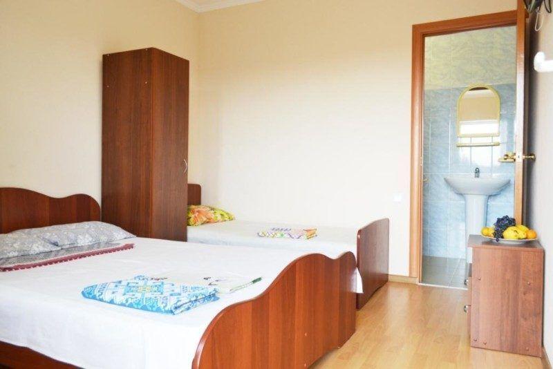 Однокомнатный номер с одной двухспальной или двумя односпальными кроватями