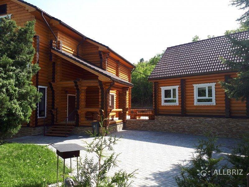 Гостевой двухэтажный дом со своей кухней, басейном , сауна+басейн и мангал.