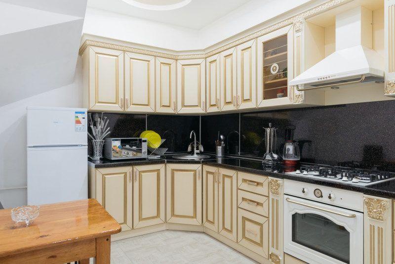 Двухуровневые апартаменты - кухня