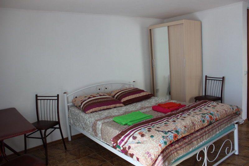 Стандартный двухместный номер с дополнительной кроватью на 2 этаже с балконом
