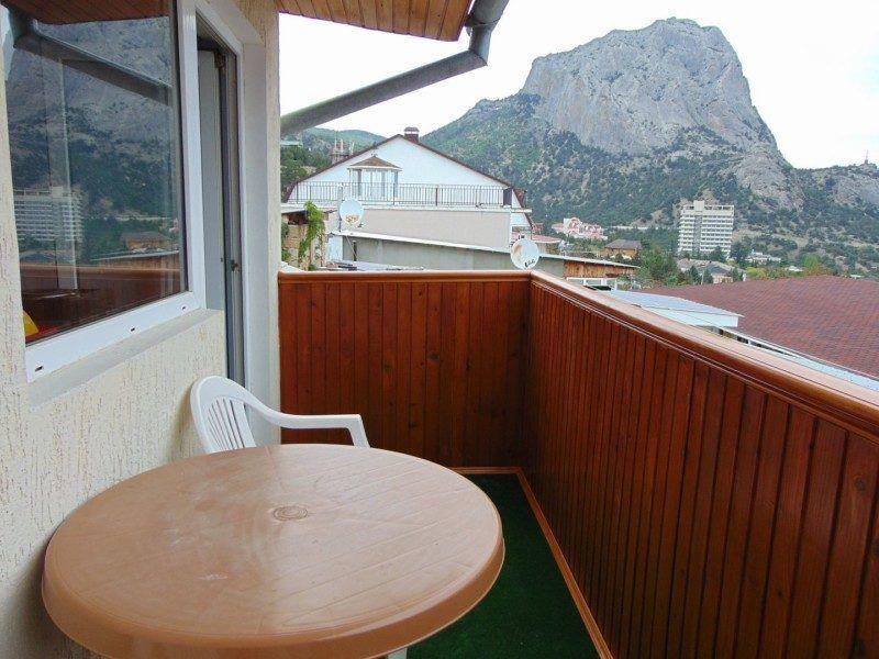 """Двухместный номер-студия """"Ирис"""" с отличным видом на море и горы на 3 этаже (корпус Б)"""
