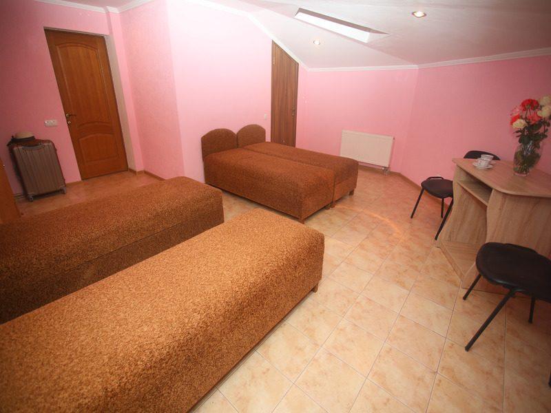 1 комнатный на 4 чел без балкона