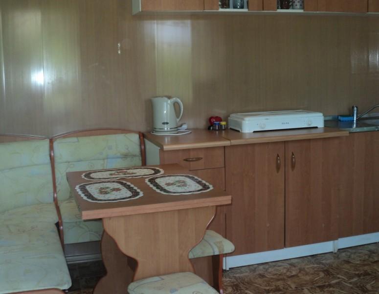 Люкс (кухня на этаже)