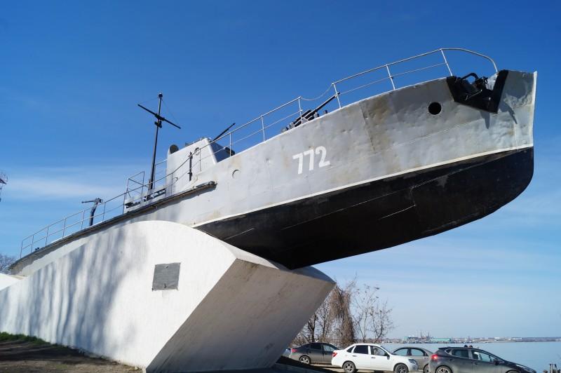 Памятник морякам Азовской военной флотилии