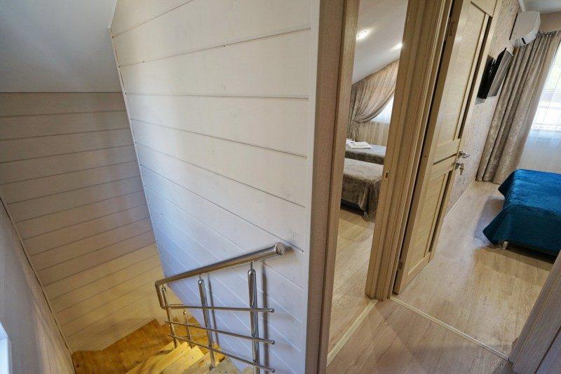 Коттедж 4 - Лестница